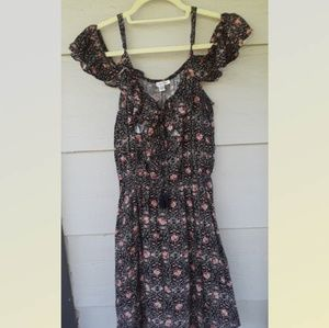 American Eagle Outfitters Dresses - American Eagle outfitters Cold Shoulder DRESS M